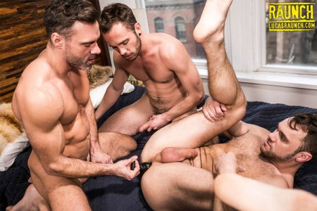 Poster Download LucasRaunch - Manuel Skye & Drake Rogers Stretch Blaze Austin's Ass With A Sex Toy 2018-07-24
